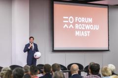 2018-volkswagen-forumrozwojumiast-1dzien-45